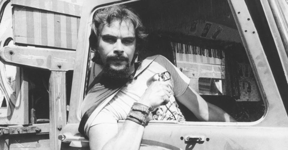 1979 - O ator José Wilker, aos 32 anos, protagoniza o longa