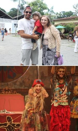 5.abril.2014 - Acompanhado do pai e da avó, filho de Luana Piovani confere a mãe no teatro. O pequeno Dom assistiu o espetáculo