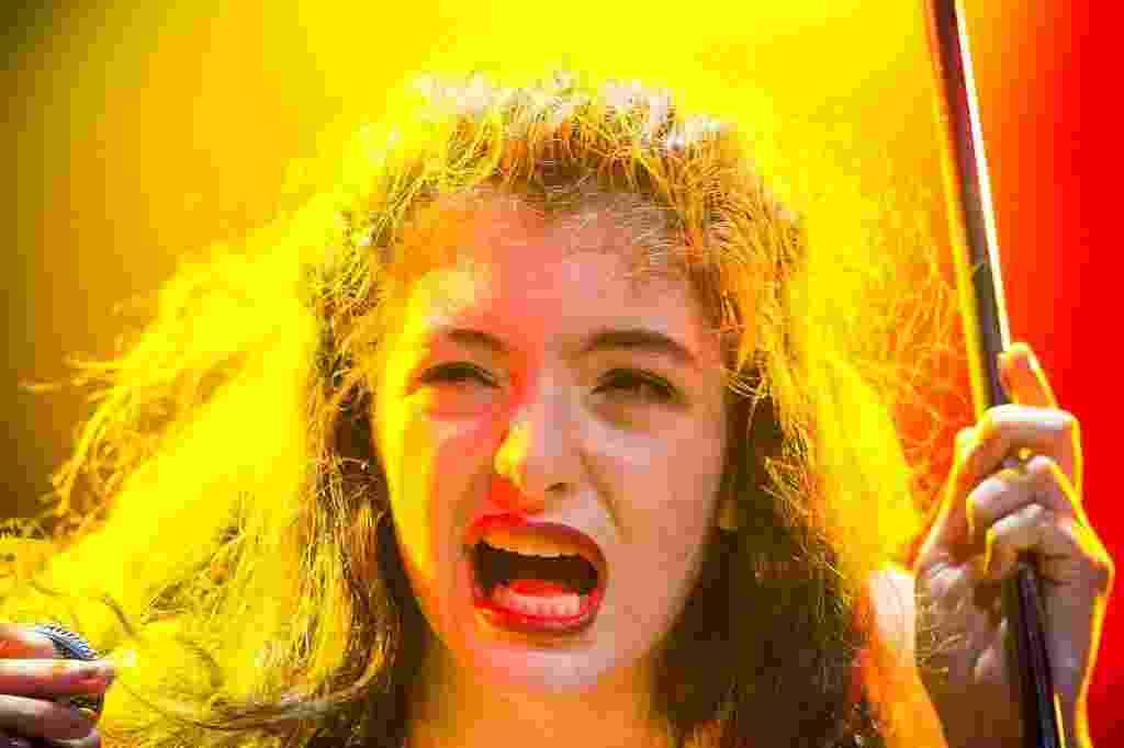 05.abr.2014 - Lorde se apresenta no palco do Lollapalooza 2014 no Autódromo de Interlagos, em São Paulo - Rodrigo Capote/UOL