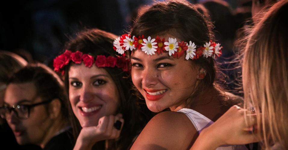06.abr.2014 - Público curte o Festival Lollapalooza 2014 no Autódromo de Interlagos, em São Paulo