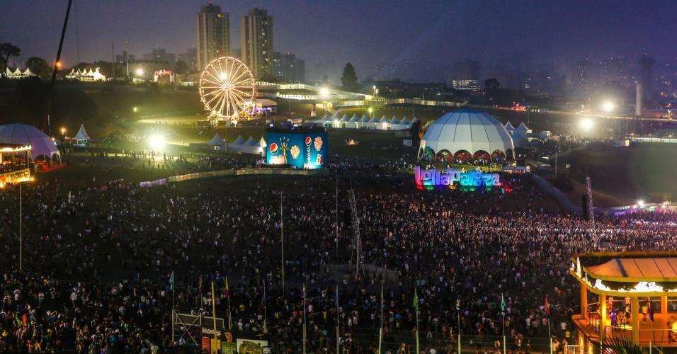 06.abr.2014 - Público durante o show do Soundgarden no Lollapalooza 2014 no Autódromo de Interlagos, em São Paulo
