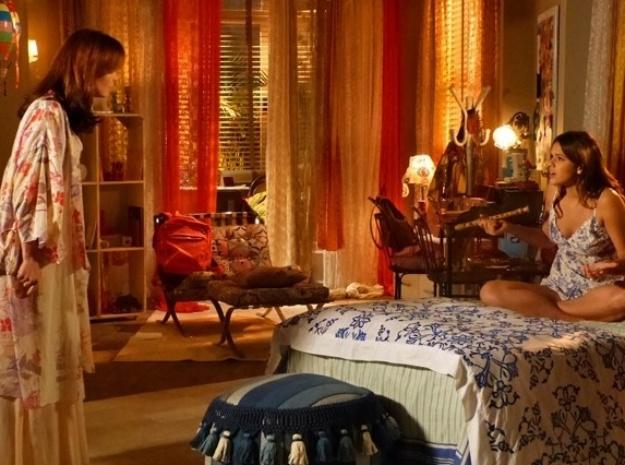 """6.abr.2014 - """"Em Família"""", Luiza enfurece Helena ao dizer que ela ainda ama Laerte"""