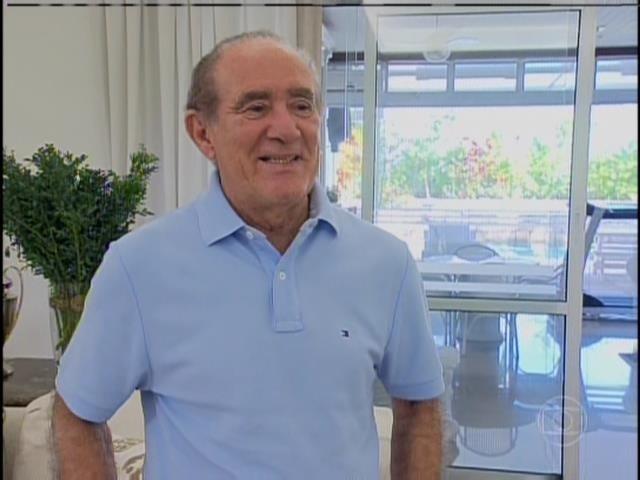 6.abril.2014 - Renato Aragão durante entrevista ao