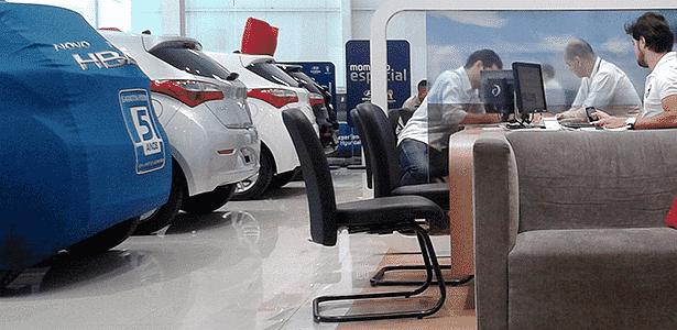 Vendedor de loja da Hyundai em São Paulo - Leonardo Felix/UOL - Leonardo Felix/UOL
