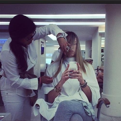 """08.abr.2014- Com a lua crescente, Luana Piovani aproveita para cortar o cabelo: """"Outro ciclo está iniciando"""", escreveu a atriz na legenda da foto no Instagram"""