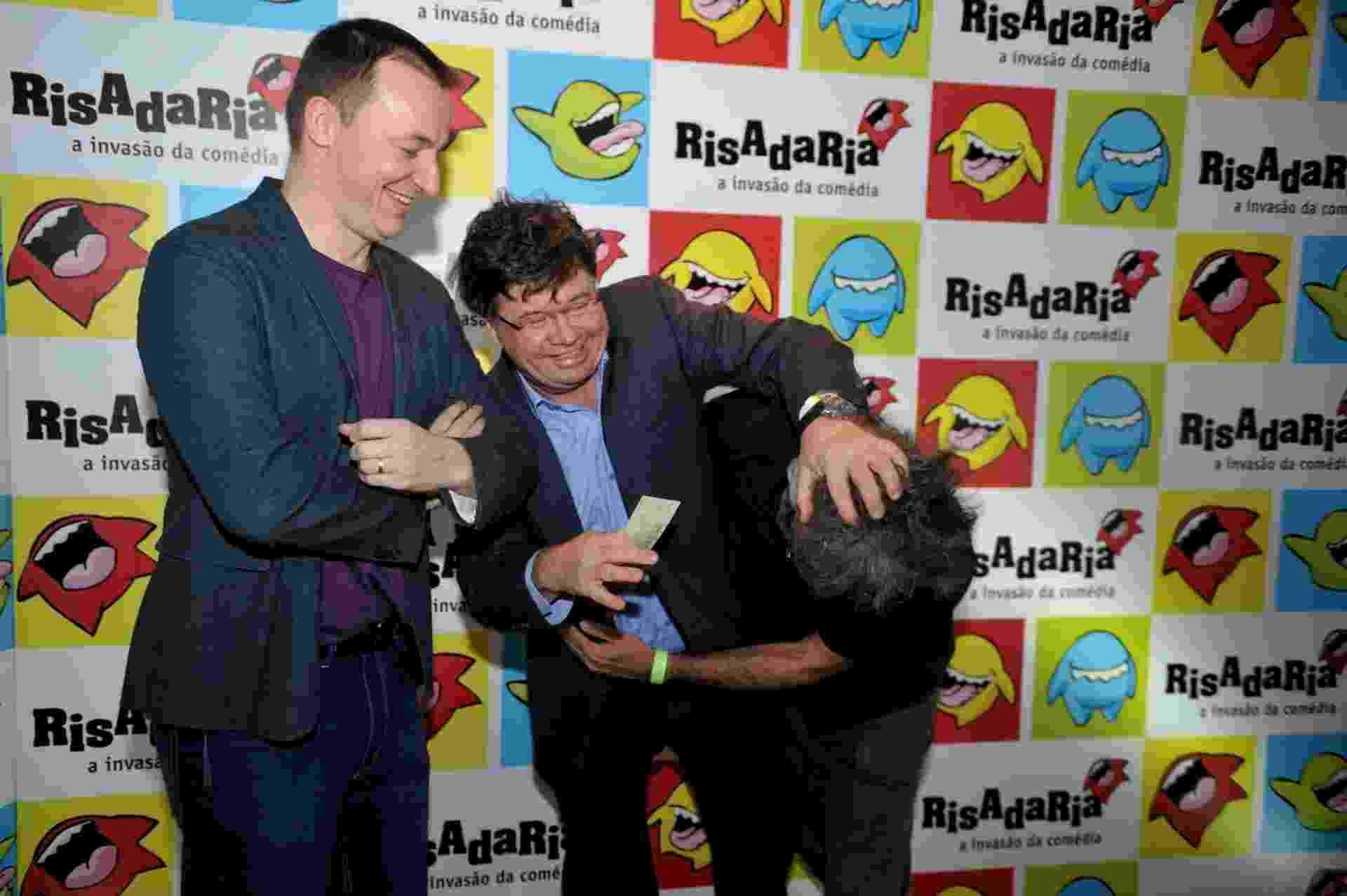 8.abr.2014 - Os humoristas Paulo Bonfá e Marcelo Madureira participam de abertura do Risadaria 2014 - Divulgação