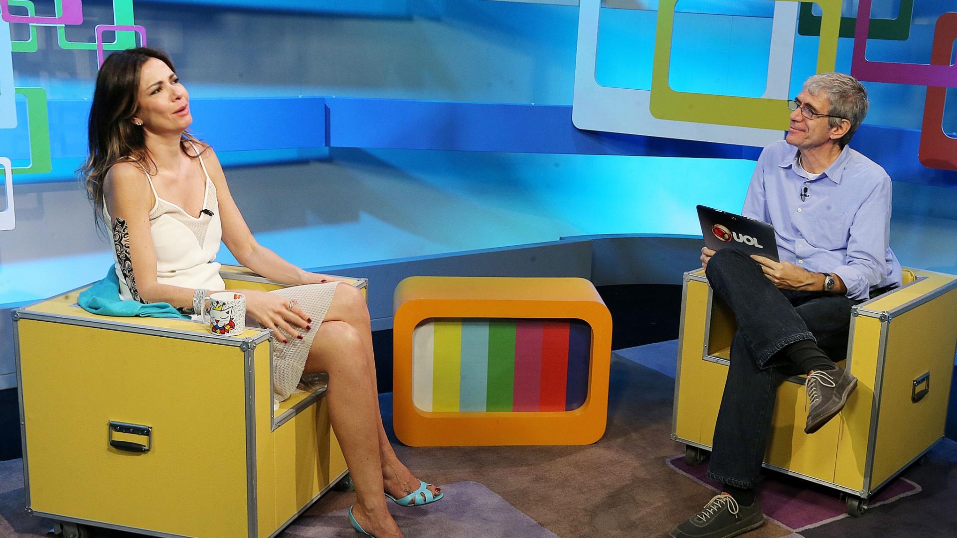 9.abr.2014 - Luciana Gimenez é entrevistada por Mauricio Stycer no programa