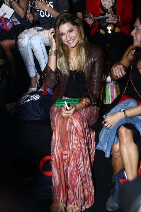 9.abr.2014 - Sasha, filha de Xuxa e Luciano Szafir, prestigiou o segundo dia de desfiles do Fashion Rio. Ela assistiu ao desfile da Coca-Cola Jeans