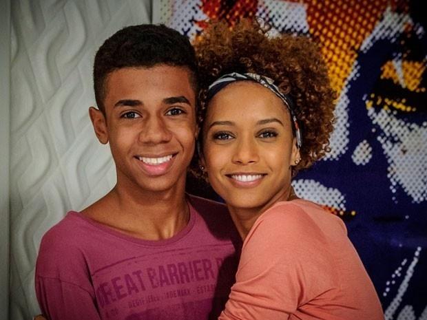 Taís Araújo e Max Lima são mãe e filho em