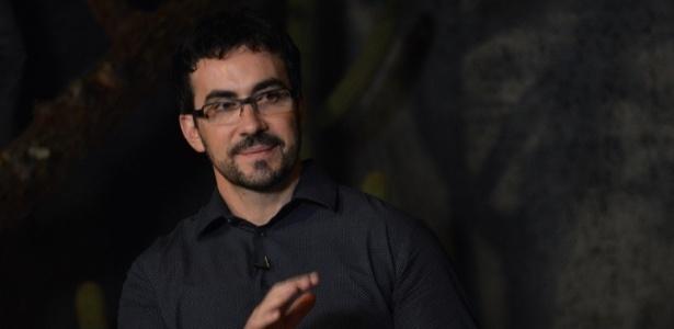 Padre Fábio se irrita com falsa notícia na internet - Felipe Souto Maior/AgNews