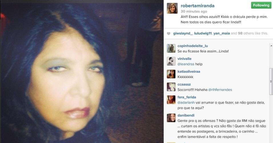 """12.abril.2014 - """"Nem todos os dias quero ficar linda"""", diz Roberta Miranda ao postar selfie com olhos azuis. Na noite deste sábado (12), a cantora compartilhou uma foto dela editada em que ela aparece com os olhos coloridos. O clique, compartilhado no perfil oficial de Roberta no Instagram, foi curtido por centenas de fãs da cantora, que adora fazer selfies"""