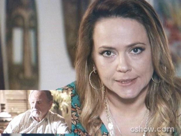 12.abril.2014 - Shirley (Vivianne Pasmanter) não tem dó e dá dura no pai, Viriato (Antonio Petrin), mesmo à distância