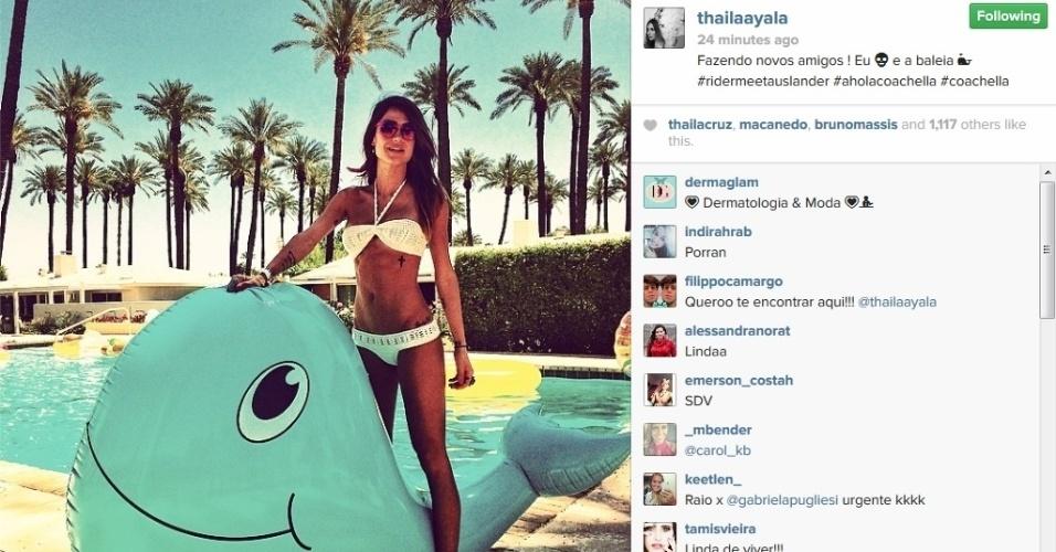 12.abril.2014 - Thaila Ayala exibe corpo sarado ao posar de biquíni no Coachella. A atriz está na Califórnia, nos Estados Unidos, para curtir o festival de música, que começou neste sábado (22)