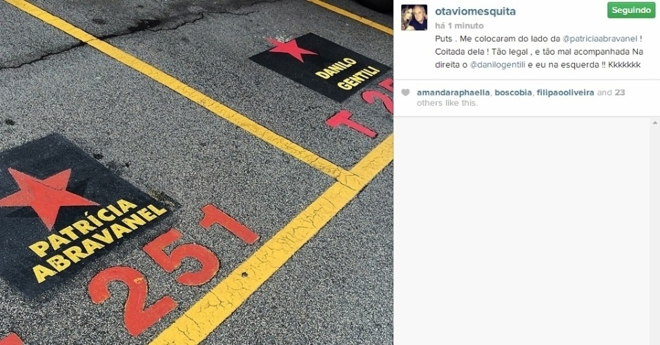 14.abr.2014 - Otávio Mesquita mostrou a estrela que ganhou no estacionamento do SBT e brincou por Patrícia Abravanel estar entre ele e Danilo Gentili:
