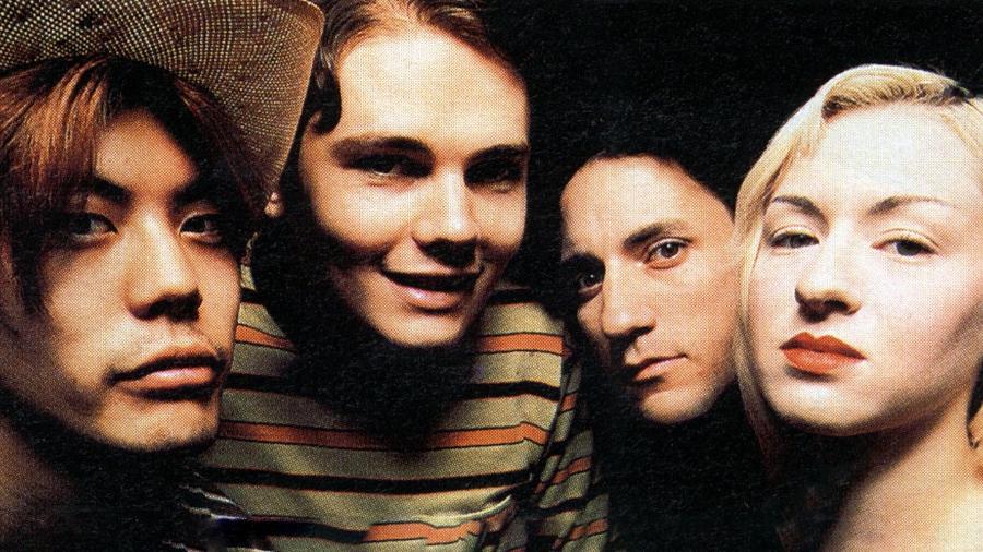 """James Iha, Billy Corgan, Jimmy Chamberlin e D""""arcy, em foto da formação original do Smashing Pumpkins - Divulgação"""