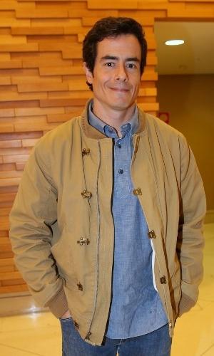 14.abr.2014 - O ator Felipe Folgosi assiste à pré-estreia do filme