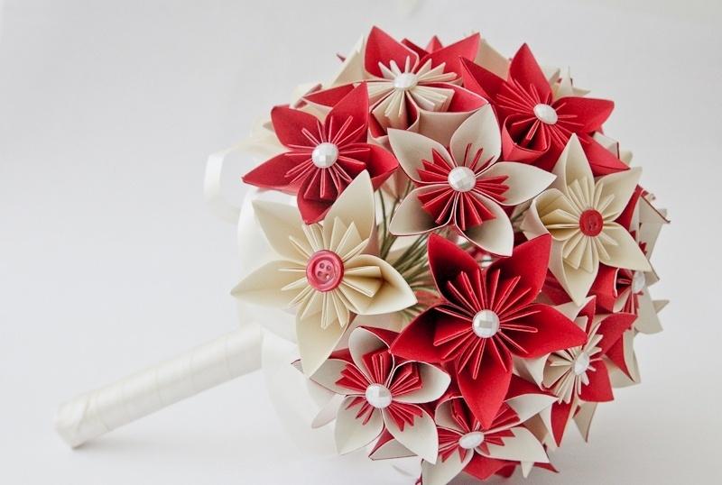 5 - Buquê de flor de cerejeira em origami com detalhes de botão