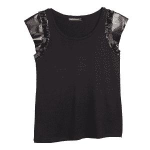 Camiseta com detalhes em couro e bordados nas mangas; R$ 598,00, na Bo.Bô. (www.bobo.com.br/shoponline). Preço pesquisado em abril de 2014 e sujeito a alterações - Divulgação