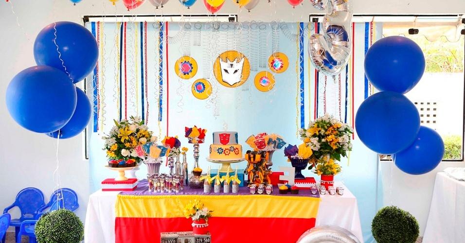 Essa festa, decorada pela empresa Frescurinhas Personalizadas (www.frescurinhaspersonalizadas.blogspot.com), foi inspirada no filme
