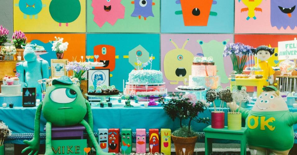 Os personagens da TV ou do cinema são os preferidos das crianças nas decorações de aniversário. Por isso mesmo, de tempos em tempos, os temas mudam, quando novos astros aparecem. Os protagonistas de