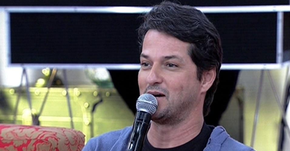 """18.abr.2014 - Marcelo Serrado participa do """"Encontro Com Fátima Bernardes"""""""