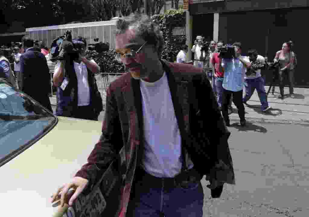 18.abr.2014 - O filho de García Márquez Gonzalo Garcia Barcha volta a casa do pai um dia após a morte do escritor na Cidade do México, capital mexicana - REUTERS/Henry Romero