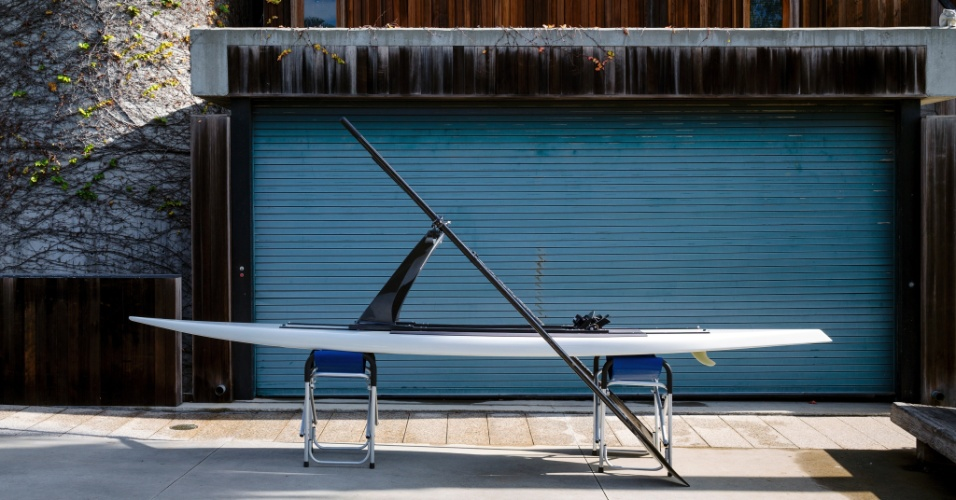 Além de projetar a casa onde mora, em Los Angeles, o arquiteto Robert Bridges, nativo do sul da Califórnia, desenhou e construiu sua própria prancha de surfe
