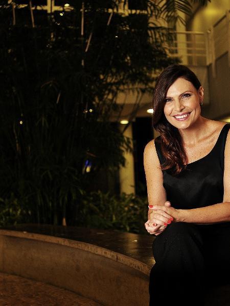 """Laura Muller, sexóloga do """"Altas Horas"""", posa nos estúdios da Globo, em São Paulo - Reinaldo Canato/UOL"""