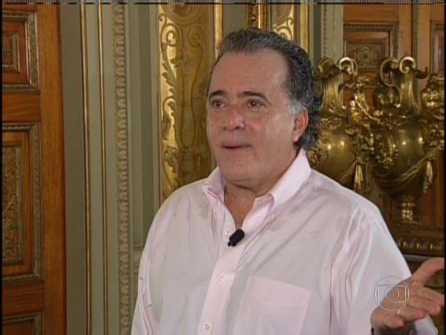 O ator Tony Ramos antes de se transformar no presidente Getúlio Vargas, que interpreta no filme