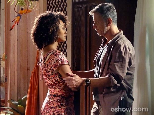 Kléber garante a Keila que quer salvar Tapiré