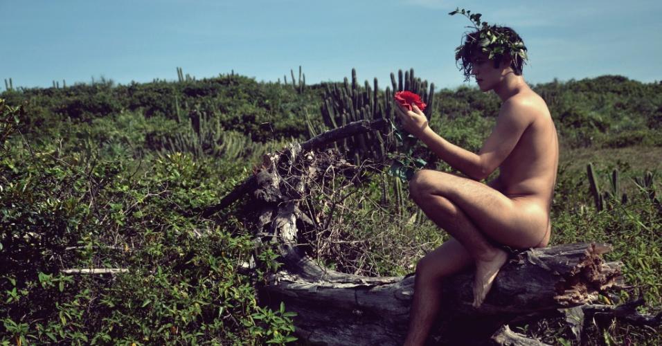 """21.abr.2014 - Gabriel Leone, o Antônio de """"Malhação"""", fez ensaio nu para o fotógrafo Sergio Santoin na praia da Reserva, zona oeste do Rio"""