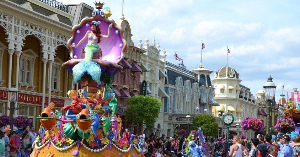 A Pequena Sereia e seus amigos aparecem em uma caixa musical em forma de concha