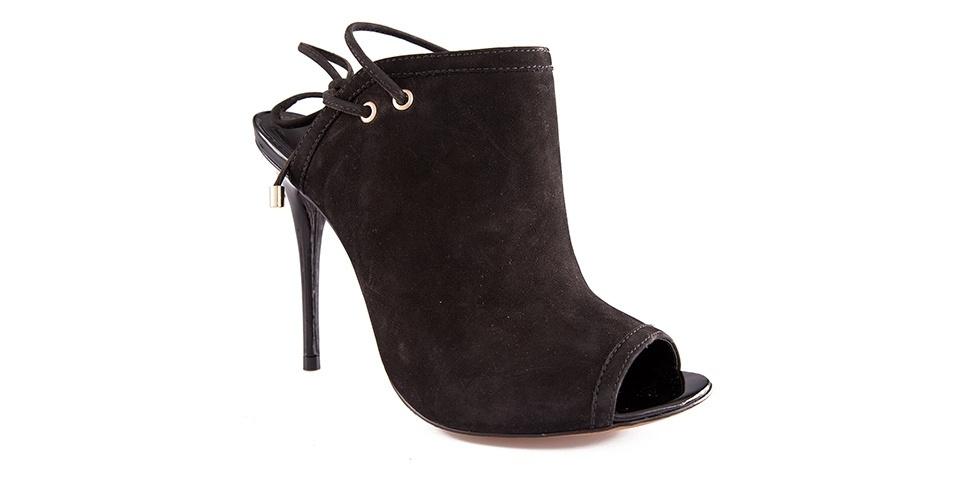 De nobuck; R$ 329,90 da My Shoes (www.myshoes.com.br)