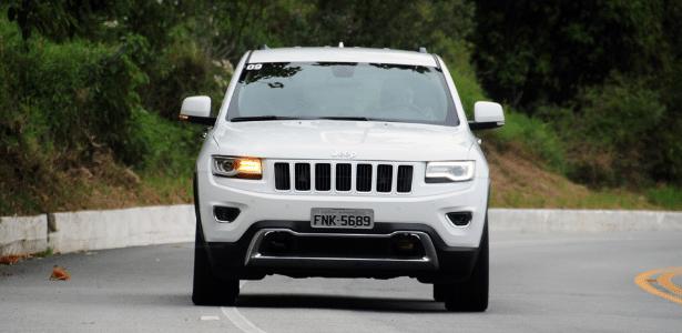 Jeep Grand Cherokee 2014 tem falha no software que controla as setas traseiras - Murilo Góes/UOL