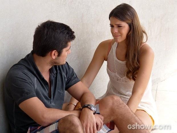 Luiza conversa com André e termina relação com o rapaz