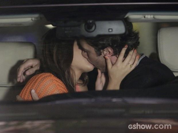 O primeiro beijo de Luiza e Laerte