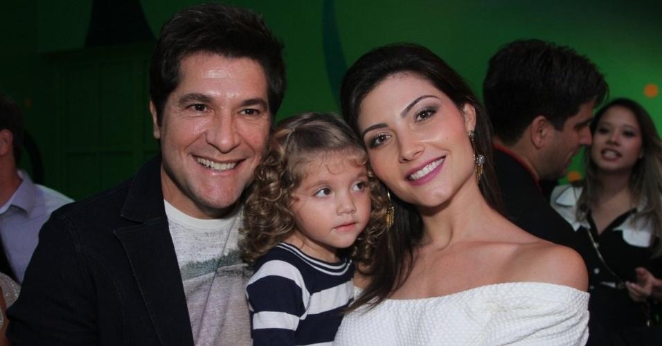 23.abr.2014 - Daniel foi com mulher e filha à inauguração da Casa X, de Xuxa, na zona leste de São Paulo