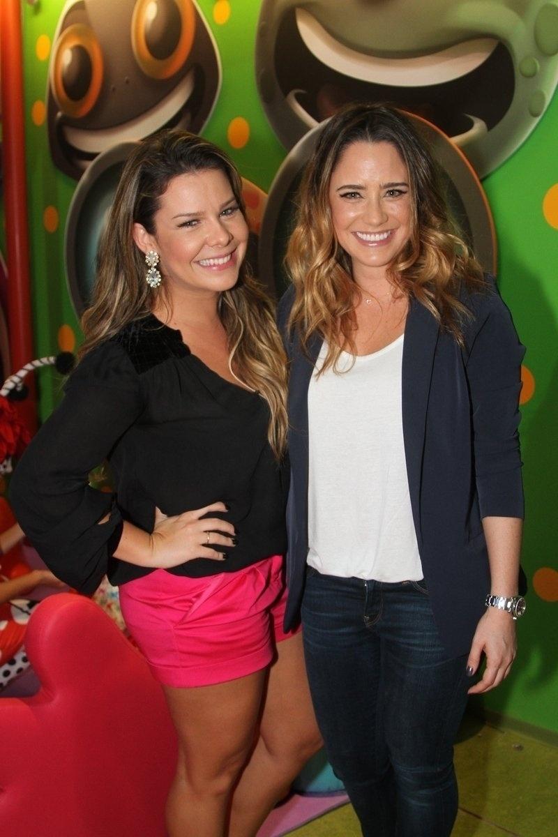23.abr.2014 - Fernanda Souza e Fernanda Vasconcelos estiveram na Casa X, novo empreendimento de Xuxa na zona leste de São Paulo