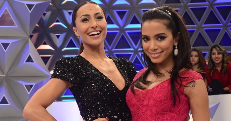 """Anitta é uma das atrações do primeiro """"Programa da Sabrina"""". A cantora dança, canta e apronta no palco com a apresentadora"""