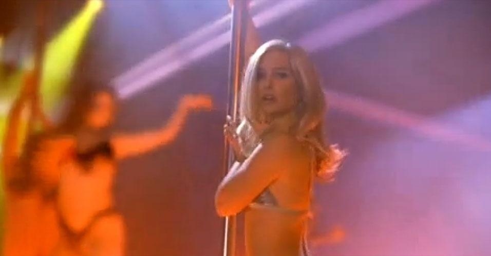 """A atriz Natalie Portman também precisou aprender alguns passos para fazer o filme """"Closer - Perto Demais"""" (2004)"""