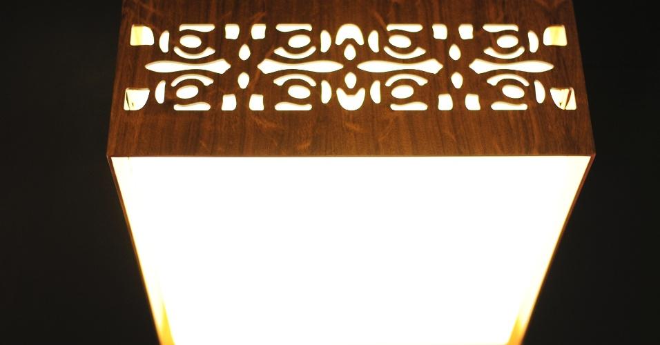A série de luminárias Arabescos foi um dos destaques que a Accord Iluminação (www.accordiluminacao.com.br) apresentou na 14ª Expolux (Feira Internacional da Indústria da Iluminação), em cartaz de 22 a 26 de abril de 2014, em São Paulo