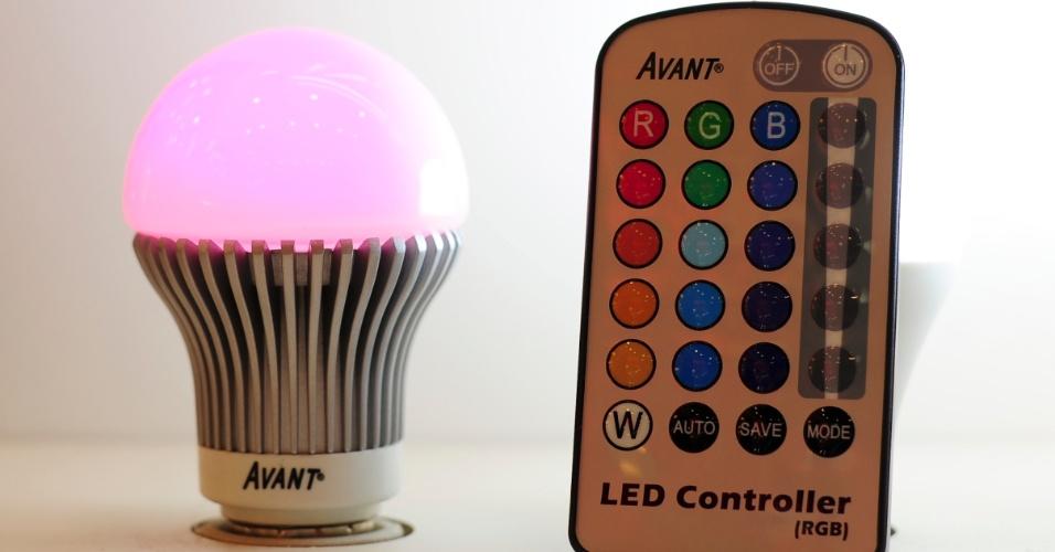 Indicada para iluminação geral, a linha LED Pera High Power é composta por dois modelos. Um que emite luz branca ou amarela e outro com emissão de luz multicolorida