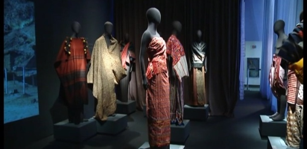 Mostra traça a história de tecidos de diferentes culturas pelo mundo - Reprodução/BBC