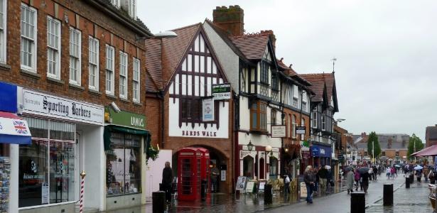 As ruas estreitas de Stratford-upon-Avon podem, em breve, surgir na Ásia - Laura Prado/UOL