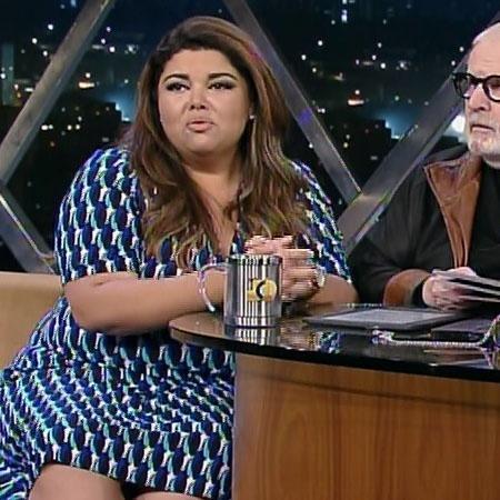 Fabiana Karla conseguiu recuperar o celular e agora quer esquecer o assalto - Reprodução/TV Globo