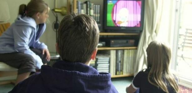 Resolução do Conanda (Conselho Nacional de Direitos da Criança e do Adolescente) considera abusiva a publicidade infantil - BBC