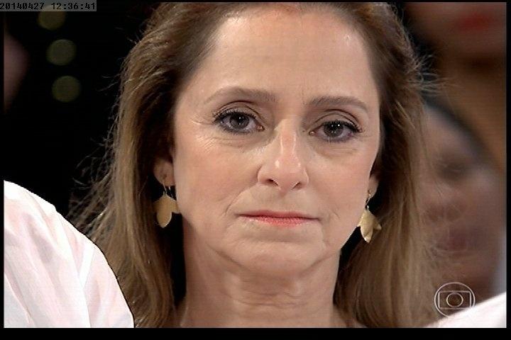 """27.abr.2014 - Ana Botafogo participa do """"Esquenta"""", que homenageou Douglas Rafael da Silva Pereira, o DG, dançarino do programa encontrado morto em uma escola da comunidade Pavão-Pavãozinho, no Rio"""