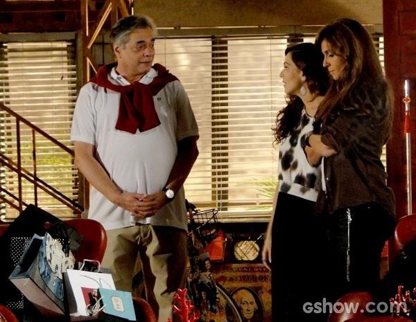 Marina apresenta Clara para o pai e fica na expectativa da reação