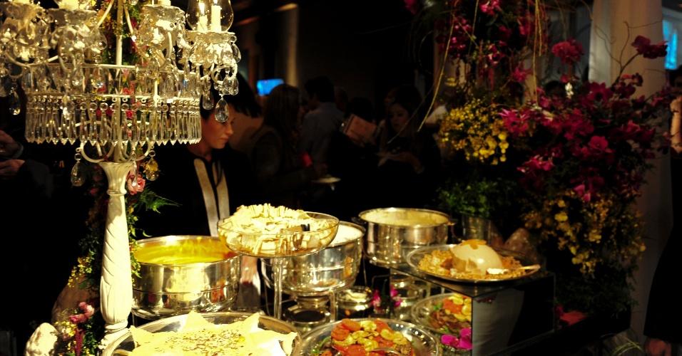 A proposta da Sylvia Cury Gastronomia (www.sylviacurygastronomia.com.br) para a Degustar 2014 era trazer um bufê no qual as pessoas comessem e se sentissem satisfeitas
