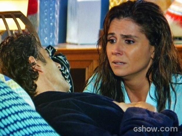 Cadu passa mal em momento romântico com Clara